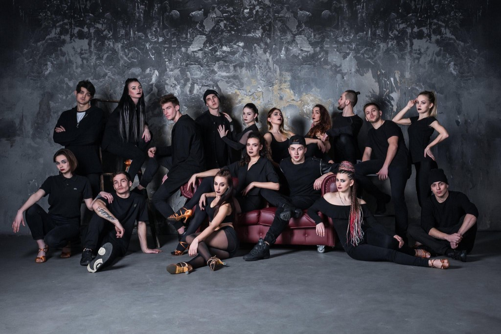 Acrobatic and dance show Kisha